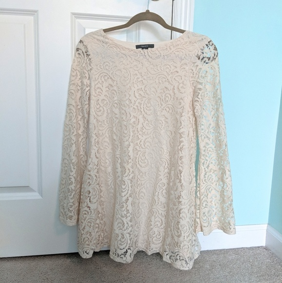 Forever 21 Dresses & Skirts - Flared Sleeve Lace Dress